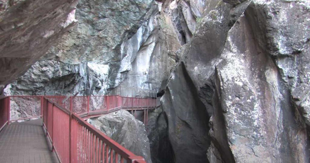 Box-canyon-falls
