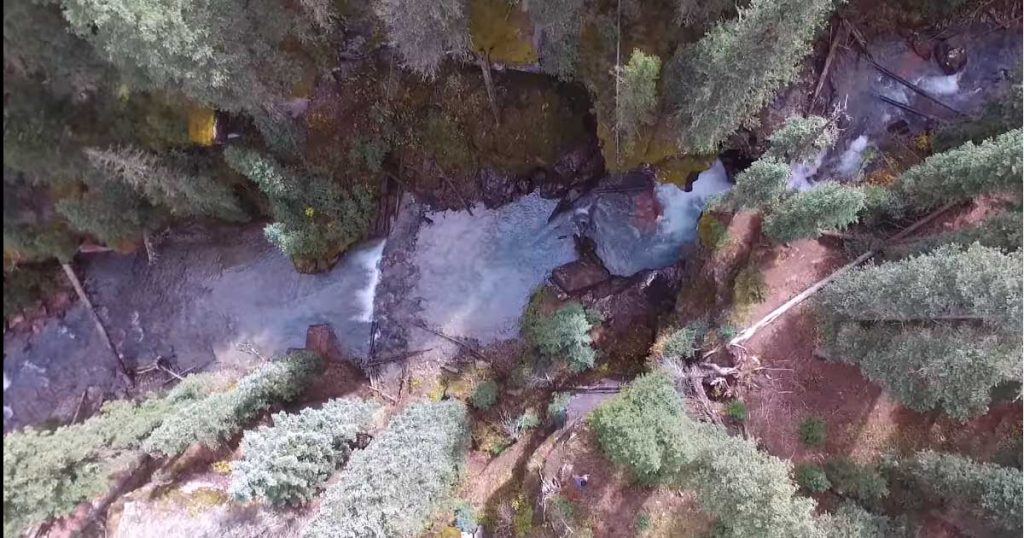 Turquoise-waterfall